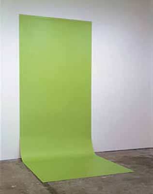 Liz Deschenes, Green Screen #4, 2001, 177,5 x 457,5 cm, Courtesy Andrew Kreps Gallery, New York