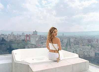 Daniela Rossell, México . S/T, de la serie Ricas y Famosas, 1999