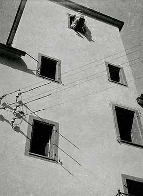 Laszlo Moholy-NagyIn the Swiss canton Tessin 1925 © VG Bild-Kunst, Bonn Gallery Berinson, Berlin