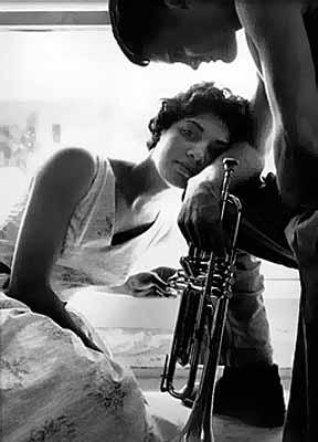 Helima & Chet Baker, Redondo Beach, 1958 © William Claxton