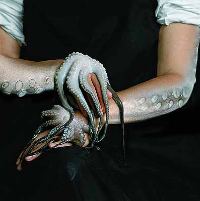 octopus hands 2002 . 100 x 100 cm