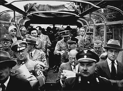 Bus des öffentlichen Nahverkehrs, Berlin ca. 1933 / Public bus, Berlin ca. 1933
