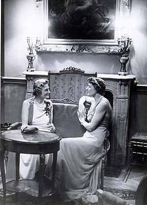 Erich Salomon: Mrs. Clementine Churchill and Lady Broughton in the Austrian