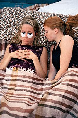 Maarit HohteriHanna and Hanna dying eyelashes Italy 2000courtesy of Taik gallery, Helsinki