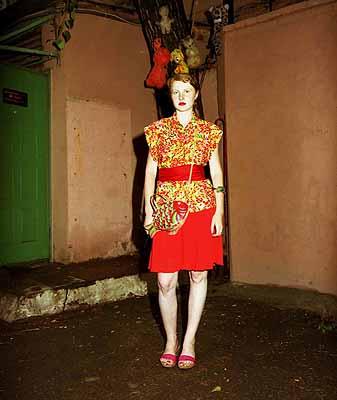 Melanie ManchotMoscow Girls, 2005Foto-, Soundinstallation9 Fotografien 70 x 60cm + Soundcourtesy Galerie Anita Beckers, Frankfurt