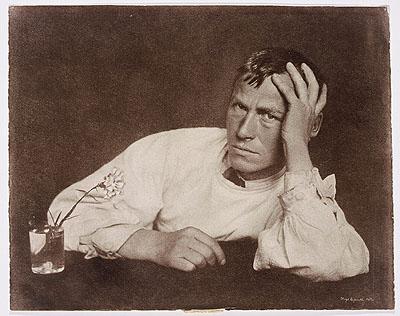 Hugo Erfurth. Der Maler Otto Dix mit Nelke, Dresden 1929, Museum Ludwig/Sammlung Agfa