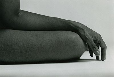Série Ceci est mon corps. Autoportraits, 2004, photographie noir et blanc