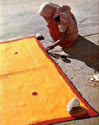 Sari färben, Bombay, Indien 1951© WernerBischofEstate / Magnum Photos
