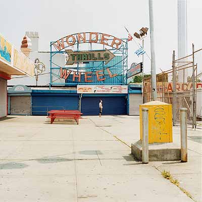 Peter Granser: »Thrills« aus »Coney Island«, 2004