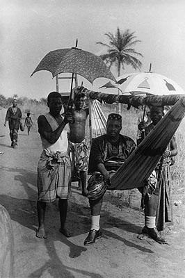 König Zodehuga auf Reisen, Dahomey (heute Benin), Französisch-Westafrika, 1936 King Zodehuga on a journey, Dahomey (now Benin), French West Africa, 1936©Paul Almasy / akg-images