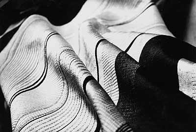 Hans Finsler Silk Cloth, 1927 Vintage glossy gelatin silver print. 8.7 x 6.7 in.  Lot 78 / Estimate € 3.500,-