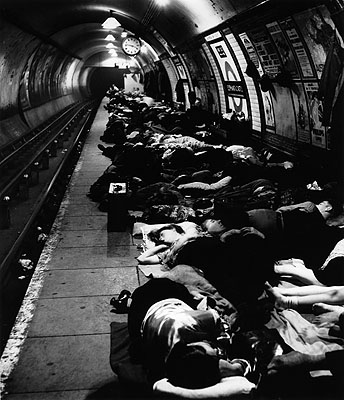 Bill Brandt, Elephant & Castle Underground, November 5, 1940, gelatin silver print. © Bill Brandt Archive LTD.