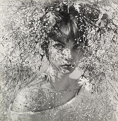 Regina Relang 1906 – 1989. ohne Titel (Der Sommer, Marion K.), 1952. Silbergelatine, 25,4 x 23,8 cm. © Fotomuseum im Münchener Stadtmuseum