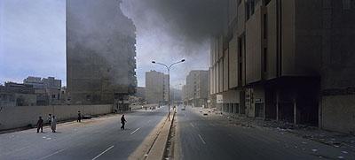 © Luc Delahaye Baghdad IV C-print 111 cm x 245 cm (43
