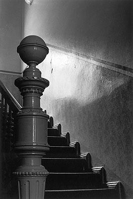 Jan Jindra, Berlin-Steglitz, 2006 Treppe zum ersten Stock des Hauses in der Grunewaldstraße 13, einer zeitweiligen Wohnstätte von Franz Kafka und Dora Diamant