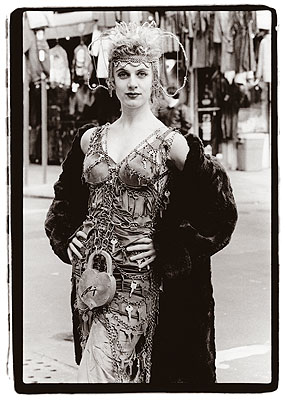 Amy Arbus Key Dress, Liz Prince, Orchard Street, 1989 © Amy Arbus, Courtesy of the Stephen Cohen Gallery.