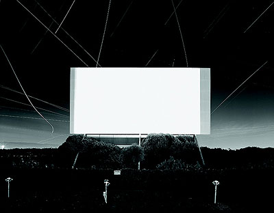 Hiroshi SugimotoUnion City Drive-In, Union City, 1993Silbergelatine50,8 x 61 cmCourtesy Kunsthalle BielefeldFoto: Philipp Ottendörfer, Bielefeld/Frankfurt am Main© Hiroshi Sugimoto