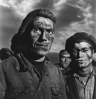 Federico Patellani Minatori di Carbonia, Sardinia 1950 (Miners of Carbonia) Gelatin-silver print, 51 x 41,5 cm © Archivio Patellani