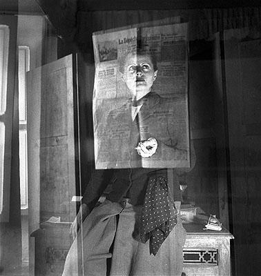 Ré Soupault, Selbstportrait (Tunesien), 1940© 2007 Nachlass Ré Soupault / VG Bild-Kunst, Bonn 2007