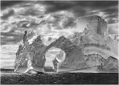 Iceberg between Shetlands and paulet Islands, Antarctica, 2005© Sebastião Salgado/Amazonas/NB Pictures