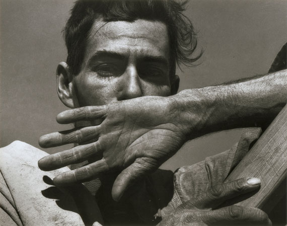 Dorothea Lange: Migratory Cotton Picker, Eloy, Arizona, 1940 © Library of Congress. Courtesy of Howard Greenberg Collection