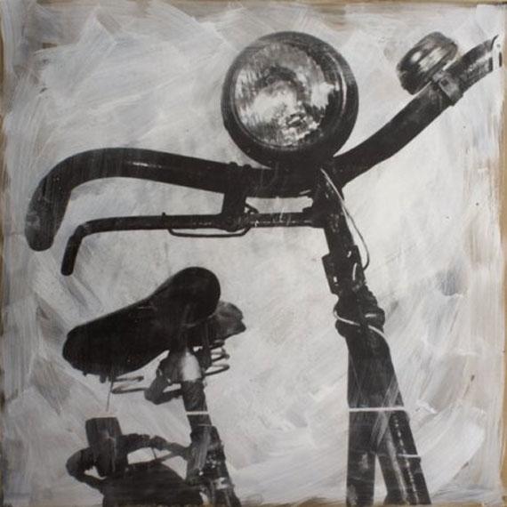 Minyo Szert: Silbergelatinfotografie auf Holz, 80 x 80 cm, Ed. 1