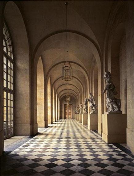 Galerie de Pierre, Château de Versailles, 1985© Robert Polidori, courtesy Edwynn Houk Gallery
