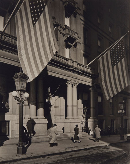 Lot 201BERENICE ABBOTT (1898-1991)Murray Hill Hotel, 112 Park Avenue, Manhattan, 1935€15,000–20,000