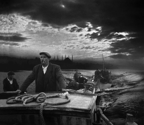 Fishermen returning to port in Kumkapi, Istanbul, 1950 © Ara Güler