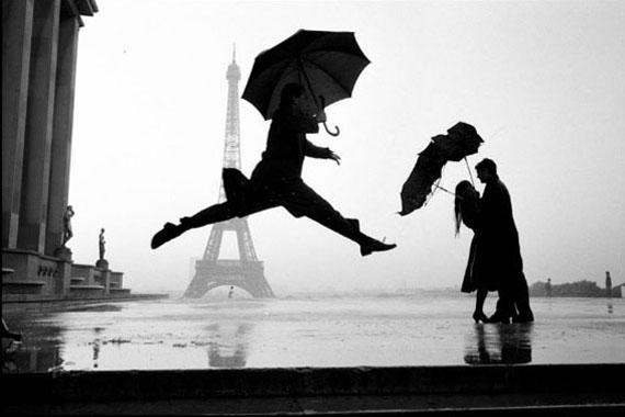 """Eiffel Tower, Paris, 1989"", Silver gelatin print, 16 x 20 inches © Elliott Erwitt"