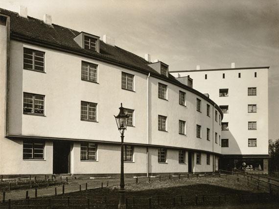 Werner Mantz:  Boltensternstraße, Naumannsiedlung, Köln-Riehl, um 1931Die Photographische Sammlung/SK Stiftung Kultur/Dauerleihgabe GAG Immobilien AG, Köln© VG Bild-Kunst, Bonn