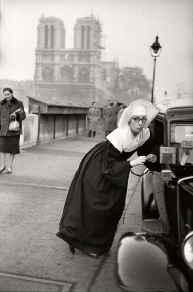 Nun in front of Notre-Dame, Paris 1953 © Marc Riboud Magnum Photos