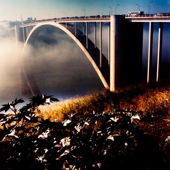"""Alfredo Srur: Puente """"La Amistad"""", Ciudad del Este, Paraguay, 2008, printed 2015, C-Print 25 x 25 cm© Alfredo Srur, Courtesy Galerie Julian Sander, Bonn"""