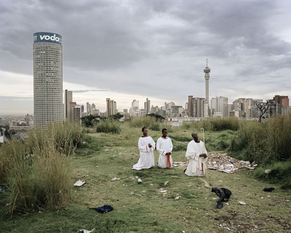 Mikhael Subotzky & Patrick Waterhouse: Ponte City from Yeoville Ridge, 2008