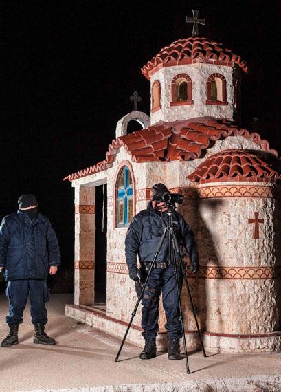 "Julian, Röder: ""Border Situation, Northern Greece"" aus der Serie ""Mission and Task"", 2012"