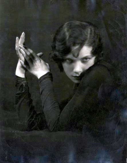 Dance of Hands. Tilly Losch and Hedy Pfundmayr in Photographs 1920-1935