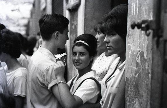 © Xavier Miserachs 'Festes de Gràcia, Barcelona', 1964