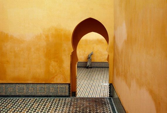 Bruno Barbey Mausolée de Moulay Ismaïl, Meknes, Maroc, 1985 © Bruno Barbey / Magnum Photos