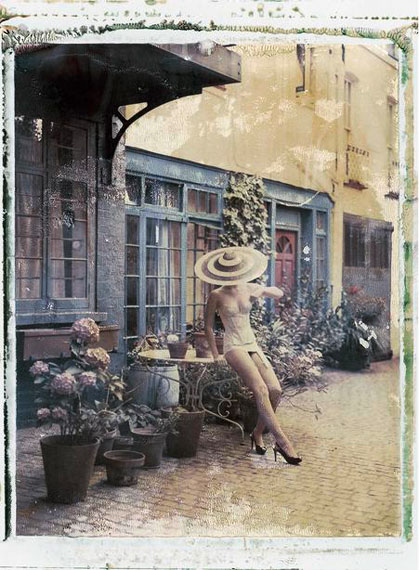 Cathleen Naundorf, 4pm in London, Philip Treacy (hat), Cadolle (lingerie), 2009  © Cathleen Naundorf, Courtesy Edwynn Houk Gallery