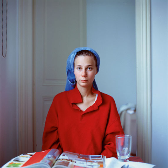 Peter Puklus: Melinda after hairwashing (up), 2005, Paris © Peter Puklus