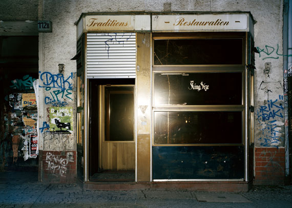 © Ralph Mecke: King Size, Berlin, 2012, Ditone print on photo rag, 50 x 60 cm