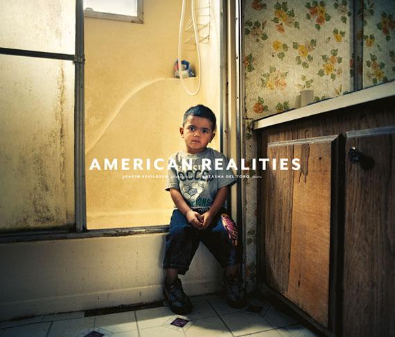 "Joakim Eskildsen""American Realities""HC 20,7 x 24,9 cmEnglisch, 120 SeitenSteifl VerlagISBN-13: 978-3869307343"