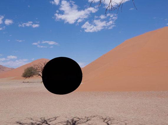 © Viviane Sassen, Black hole #01, 2014
