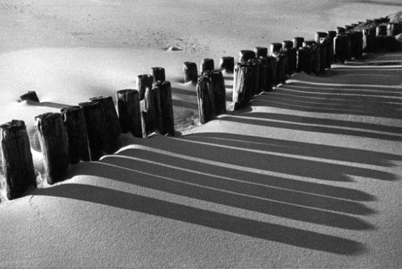 Arvid Gutschow: Sand und Sonne, Sylt, 1928, Abzug Ende 1980er Jahre, Alfred Ehrhardt Stiftung © Arvid Gustchow