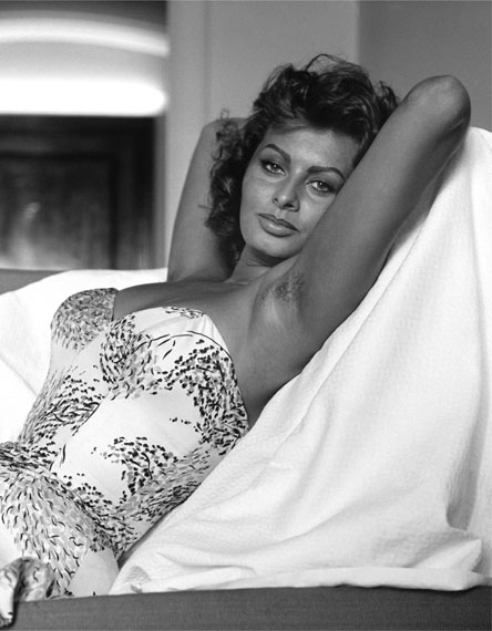 SAM SHAW: Sophia Loren, Los Angeles 1960 © Sam Shaw Inc. - www.shawfamilyarchives.com