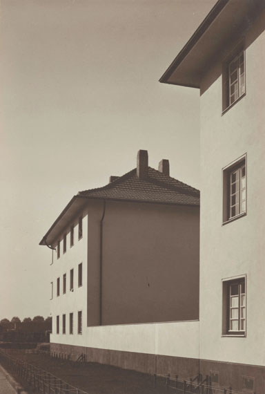 Werner Mantz: Housing block on Ruhrorterstrasse, Köln, um 1929, Bromide print