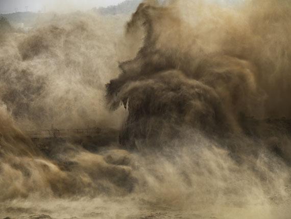 EDWARD BURTYNSKYXiaolangdi Dam #4, Yellow River, Henan Province, China, 2011C-print,99 x 132 cm
