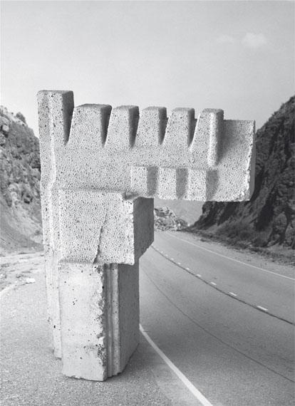 Taiyo Onorato / Nico Krebs: Continental DriftHC, 24 x 33 cm, 214 Seiten, 130 Abb.€ 78ISBN:978-3-906803-20-3Edition Patrick Frey