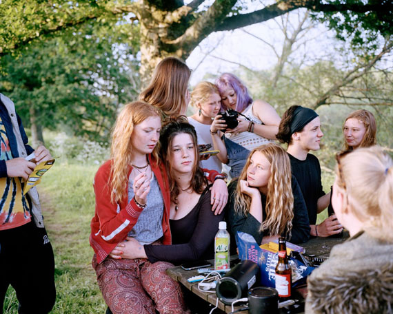Siân Davey, Gathered by the River - 7pm, © Siân Davey