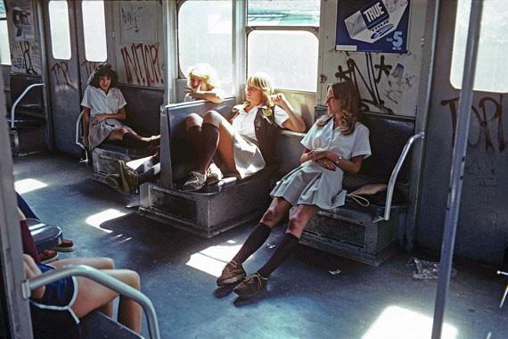 Willy Spiller, New York Subway 1981, Schoolgirls on the A Train to Far Rockaway, Queens, 1982© Willy Spiller, Courtesy BILDHALLE Zurich
